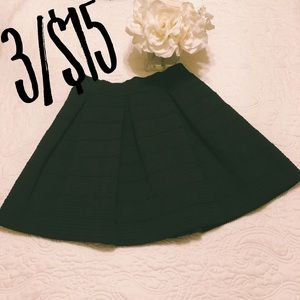 {ATTENTION} Black Ribbed Skater Skirt